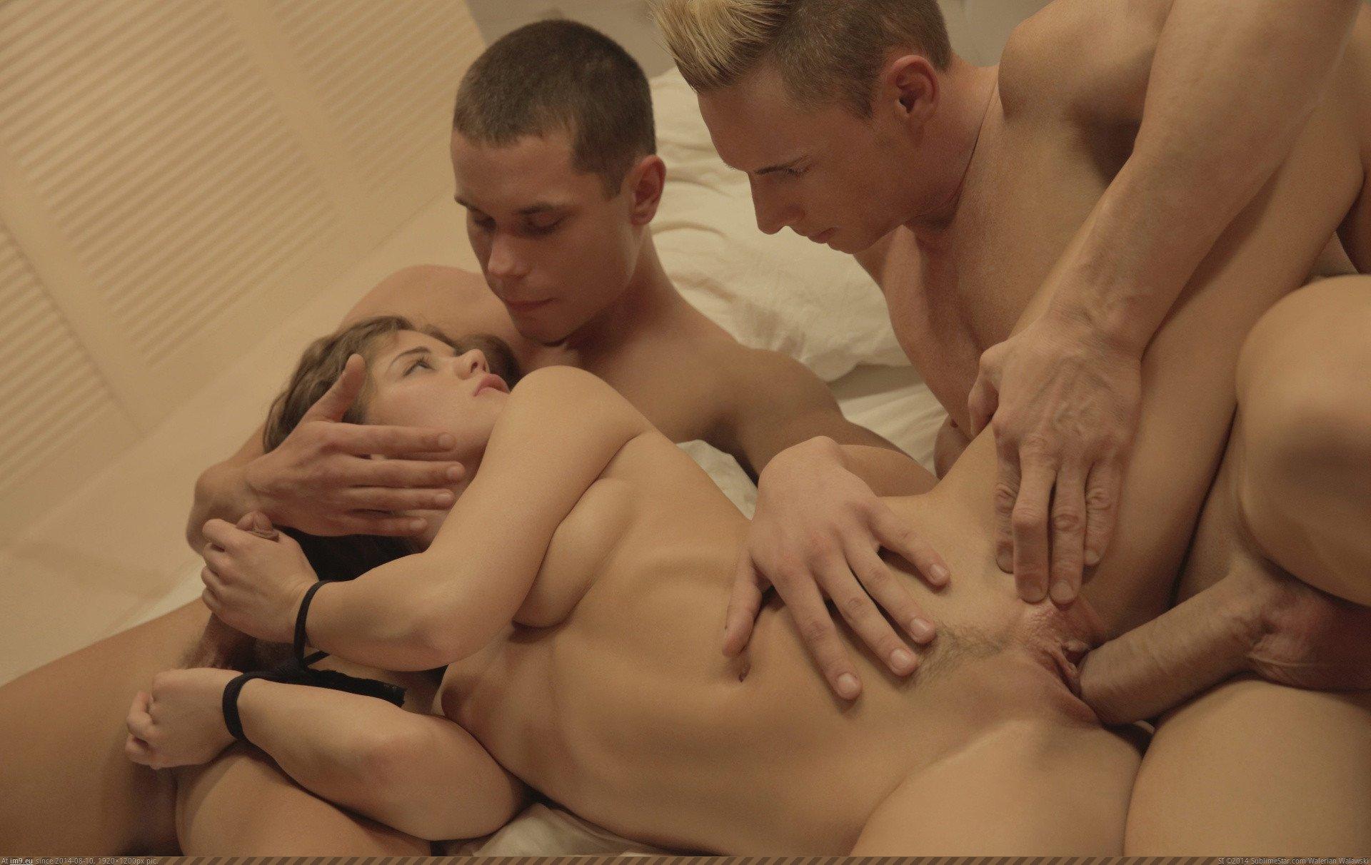 nsfw-caprice-mfm-threesome-3