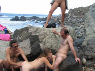 1-amateur-voyeur-beach-sex