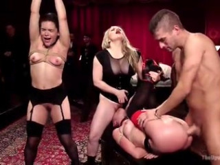 TheUpperFloor+Aiden+Starr+Kimber+Bos+Roxanne+Rae+-+Vakantie+BDSM+Slet+Orgie+draait+Fangirl+naar+Sex+Slaaf