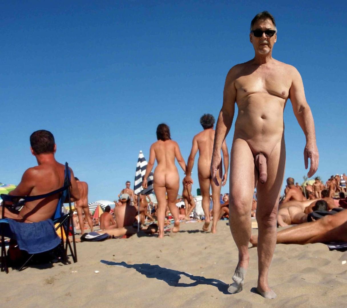 true-nudist-friends-11