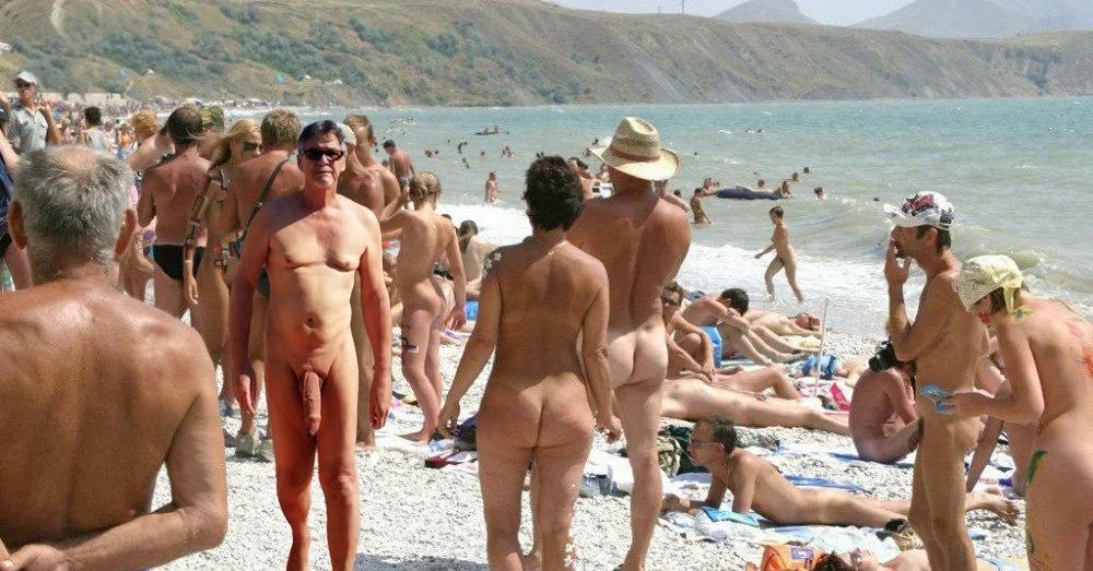 true-nudist-friends-2