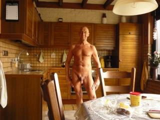 15-04-2020 Naakt in de Keuken