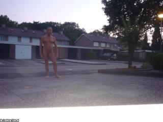 Naakt op straat